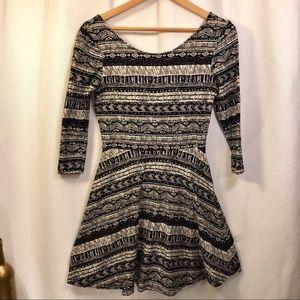 🆕☀️4/$15 Black & White Print Dress